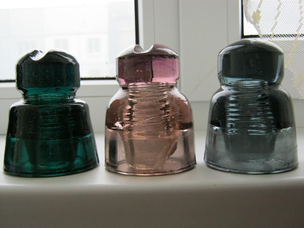 weak purple glass insulator