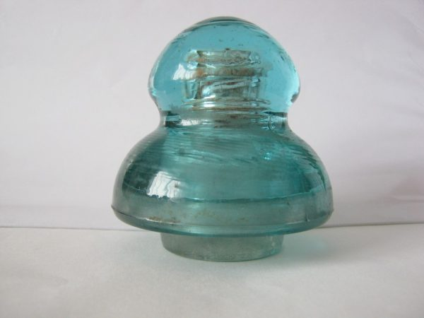 Jellyfish styled insulator